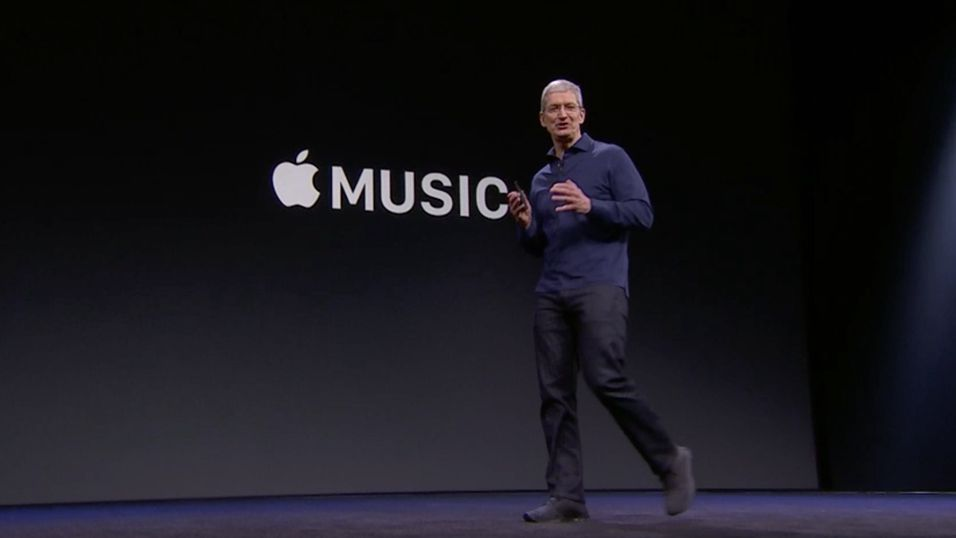 Apple-sjef Tim Cook under lanseringen av Apple Music for knappe tre uker siden.