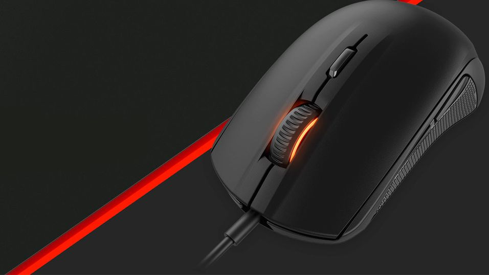 SteelSeries Rival 100.