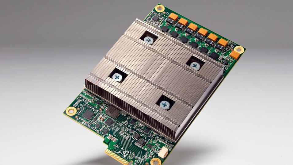 Googles egen Tensor Processing Unit (TPU).