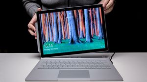 Microsoft Surface Book 2 i7 dGPU 8GB 256GB 13,5""